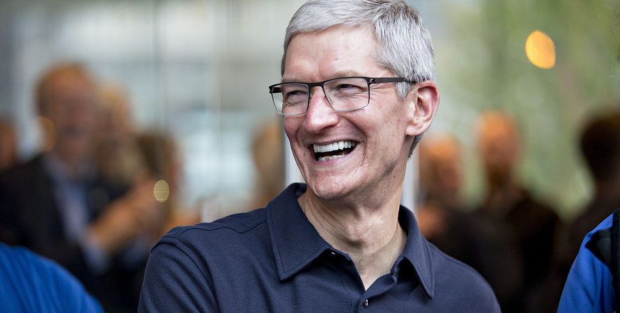 Tim Cook, presedintele unei universitati de top din China